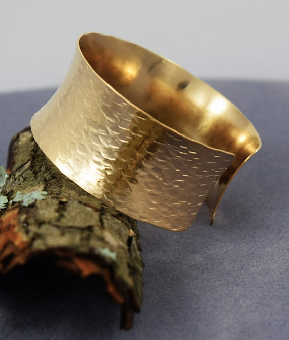 Hand Hammered 14K Gold Filled Cuff Bracelet Minimalist Artisan Wear Handmade Metal Jewelry Womens Fashion Handmade 14 K Gold USA Made