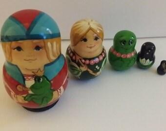 Very cute matryoshka fairy tale Princess frog, Russian doll, nesting dolls 5 PCs