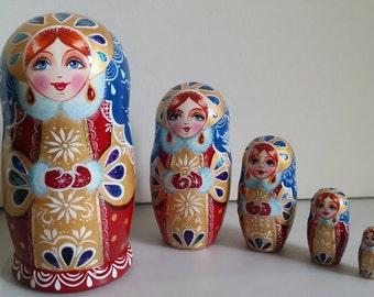 Very cute matryoshka Russian doll, nesting dolls 5 PCs