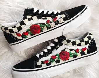 d92ae0dbdd2 Checkered RoseBuds Custom Rose Embroidered-Patch Vans Old-Skool Sneakers