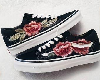 7a0fff9508e Size 3.5 Mens   5.0 Womens LOW TOP Unisex Custom Rose Vans Old-Skool  Sneakers