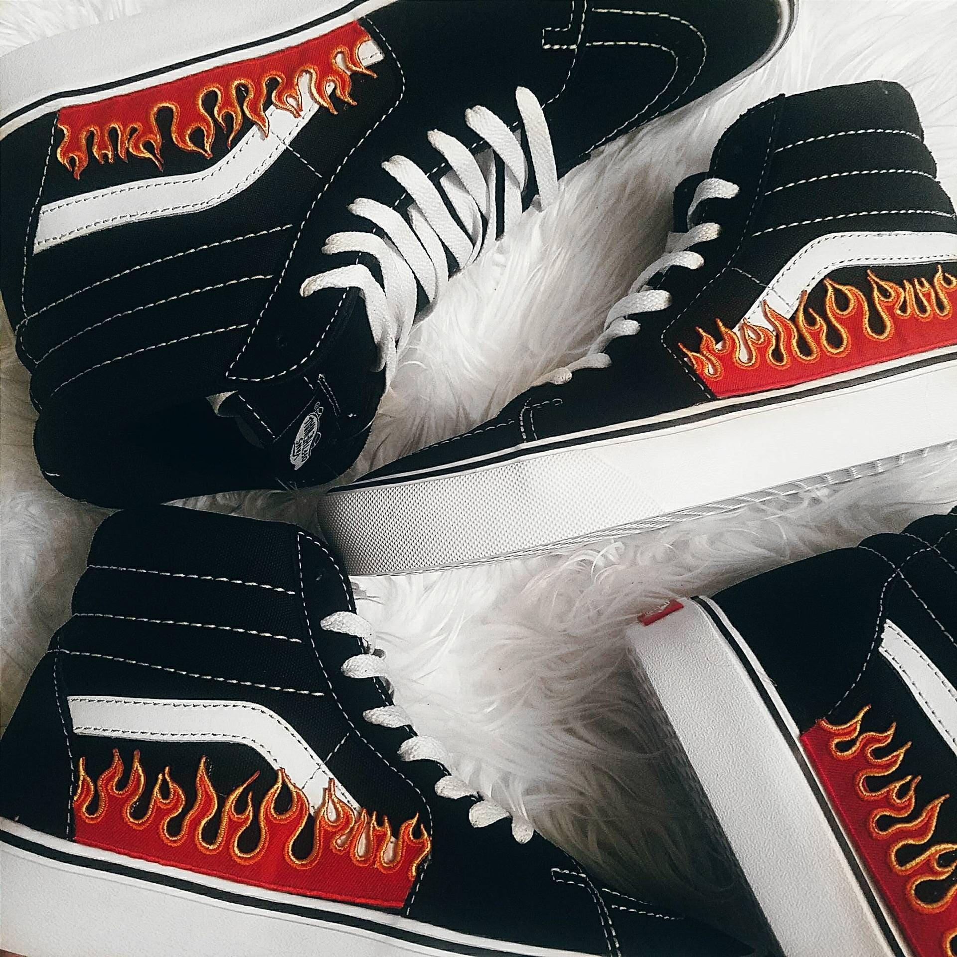 scarpe vans con fuoco