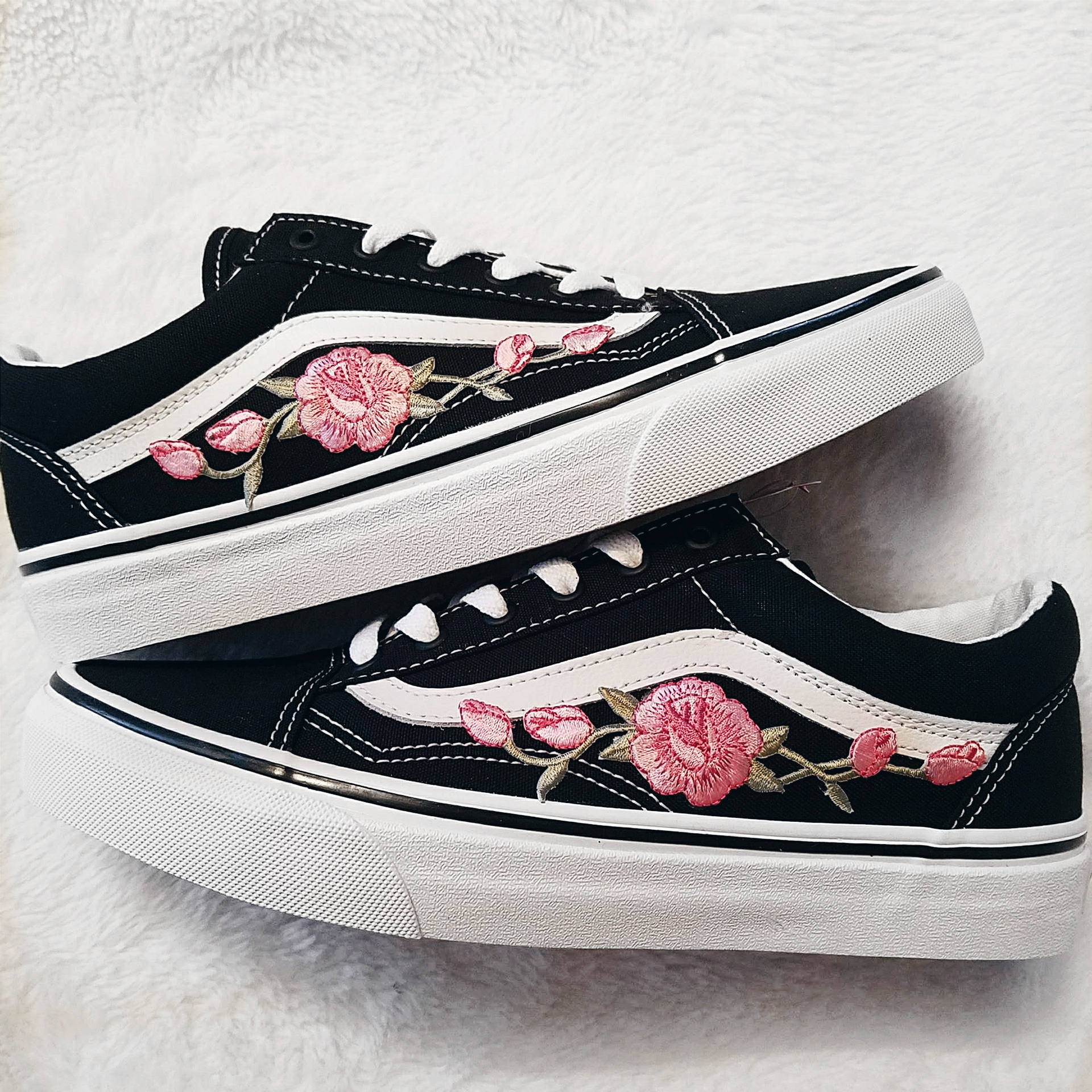 ef108dedee Rose Buds Pink Blk Unisex Custom Rose Embroidered-Patch Vans