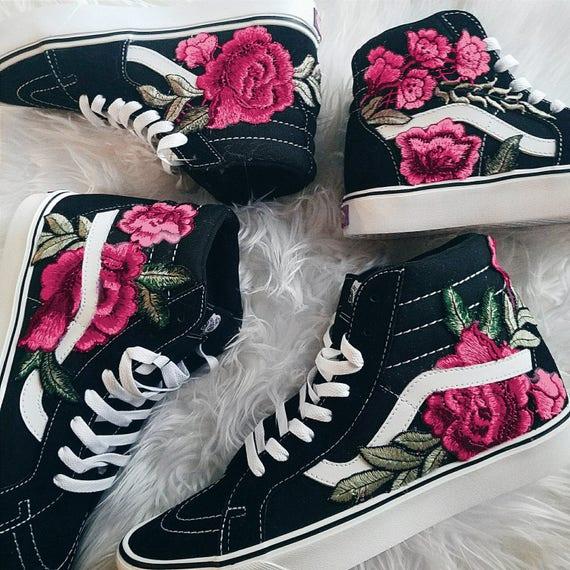 Helle Farben! Benutzerdefinierte Rose Floral bestickt Patch Vans Sk8 HI