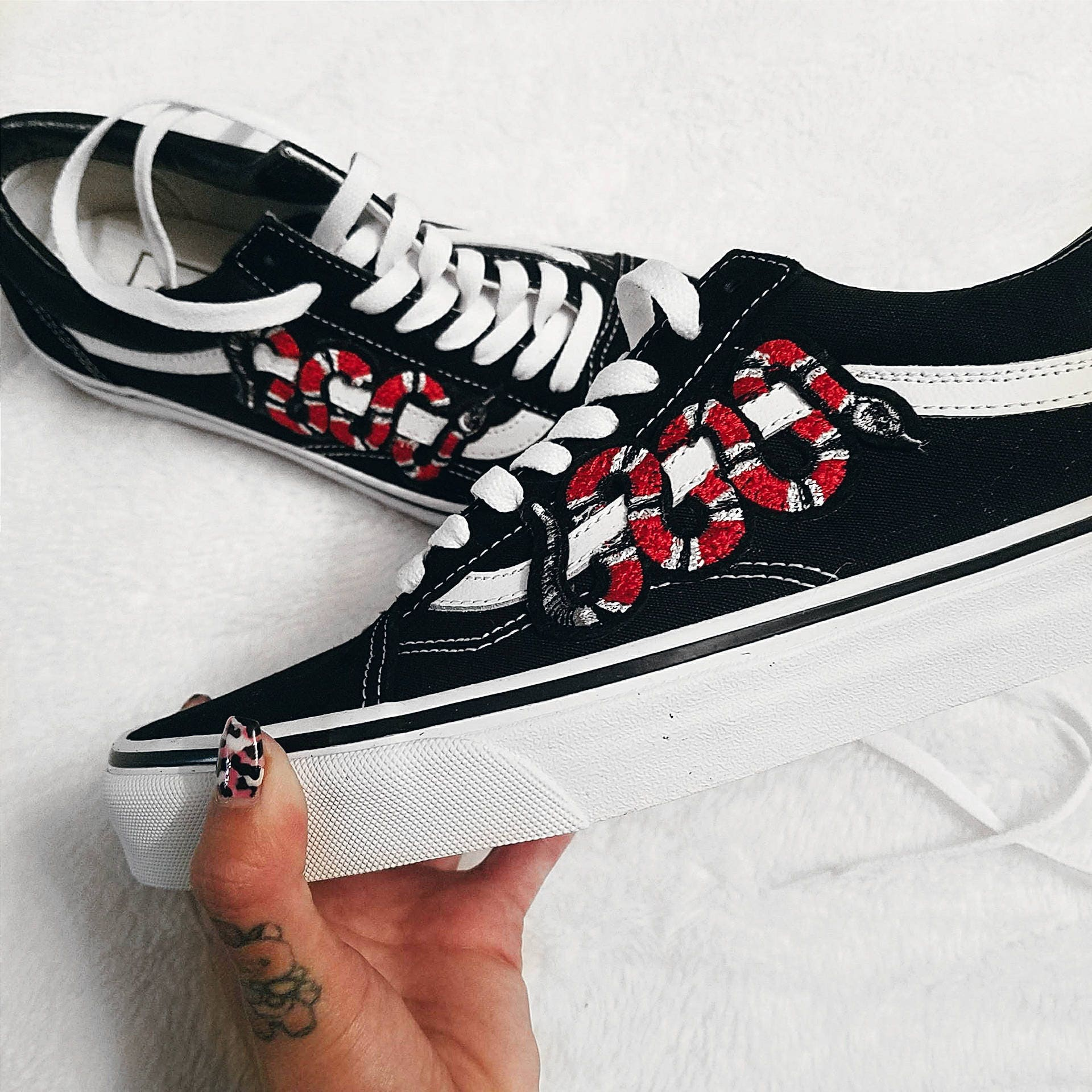 1f5715d68d Snake Customized Vans Old Skool Shoes