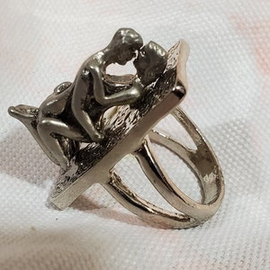 70s vintage adult MATURE shag ring sex position size 10 10.25 novelty swinger lust sin metal gift funny gag retro disco orgy party