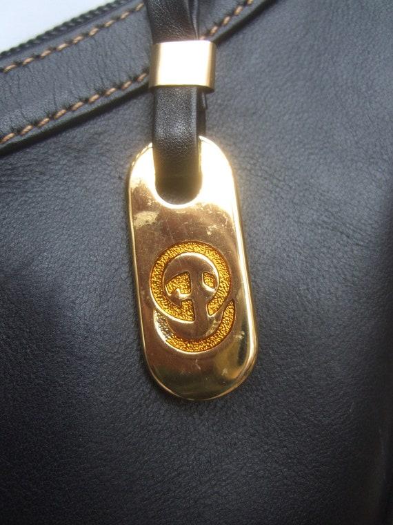 GUCCI Italian Ebony Leather Shoulder Bag c 1970s - image 8