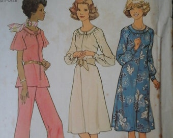 Simplicity 7148 Misses Dress or Top and Wide-leg Pants Pattern,  Size 16 1/2