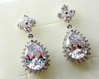 Bridal Earrings Drop Earrings Wedding Earrings for Bride Silver Earrings Teardrop Earrings Bridal Jewelry Crystal Earrings Wedding Jewelry