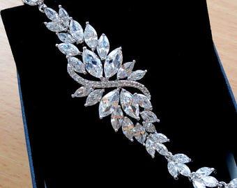 Bridal Bracelet Wedding Bracelet Mother of the Bride Gift Crystal Bracelet Bridal Jewelry Cubic Zirconia Flower Bracelet Gift for Wife