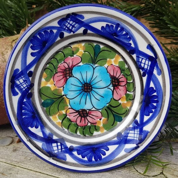 Blooms for Mum HNOS Martinez Pintado a Mano Vintage Spanish Hand Painted Ceramic Cottage Decor Hanging Plate Floral Gift for Mom Ship Inc