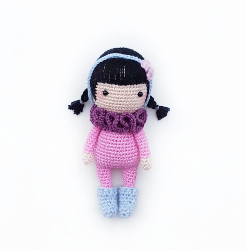 Little doll amigurumi free pattern #knitting #crochet #bordado ... | 810x794