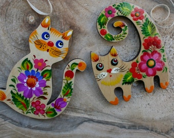 Cute cats fridge magnets Set - animal wooden magnets figures - Cat Collector Gifts -cats lovers gifts - cats in love magnets hand painted