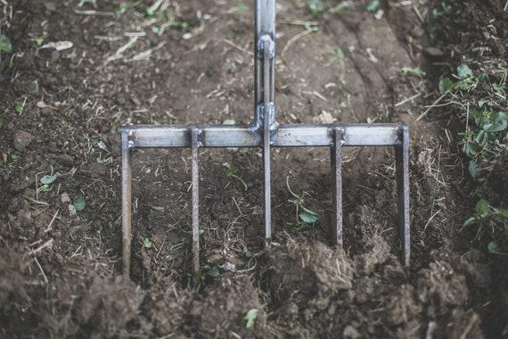 4-Tine Mini-Fork w O-Handle
