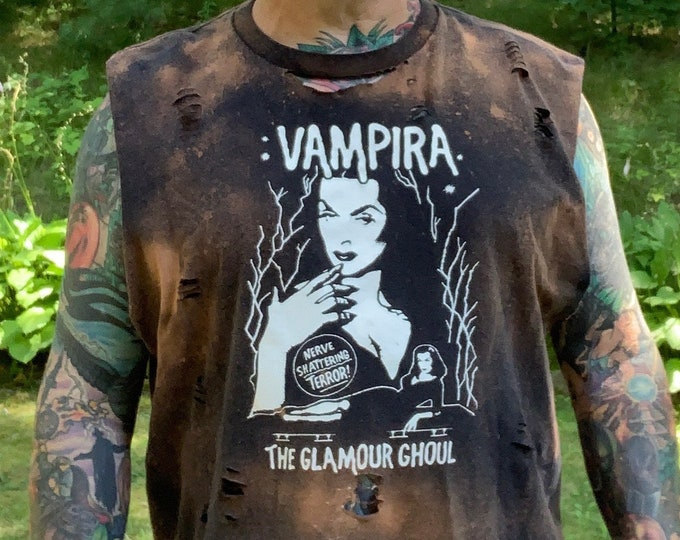 Distressed Maila Nurmi VAMPIRA Tshirt Goth (XL) Horror Punk Ghouls NIght Out Plan 9 Ed Wood Elvira Morticia Addams James Dean The Munsters