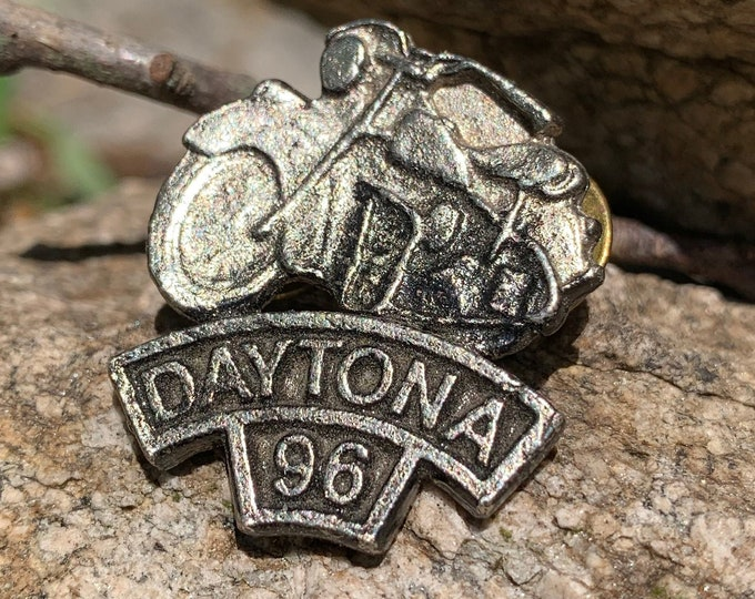 1996 Daytona Bike Week Pin HOG Biker Motorcycles Eagle Outlaw Easy Rider Road King Sturgis Fat Boy Sportster Hells Angels MC Harley Davidson