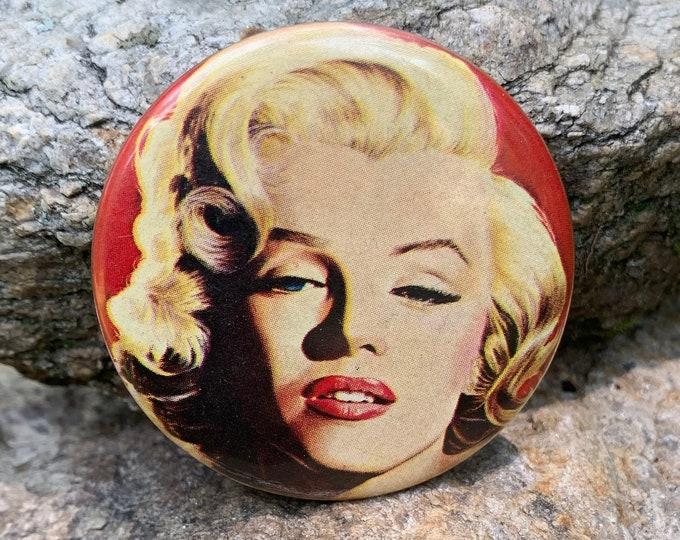 Marilyn Monroe Pin Pinback Movies Goodbye Norma Jean Pinup Jayne Mansfield Marlene Dietrich Blonde JFK Hedy Lamarr Rita Hayworth Bette Davis