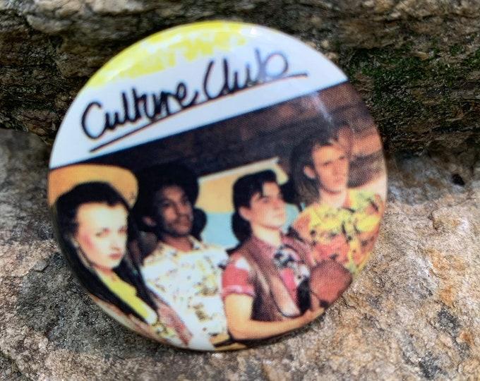 CULTURE CLUB Pin Badge Pinback Pins Boy George Pete Burns DOA Lady Gaga Tears for Fears Duran Duran Frankie Goes To Hollywood Eurythmics