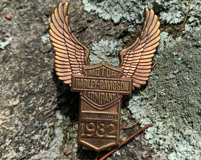 Harley Davidson Bronze Emblem HOG Biker Motorcycles Eagle Outlaw Easy Rider Road King Sturgis SOA Fat Boy Sportster Hells Angels MC V Twin