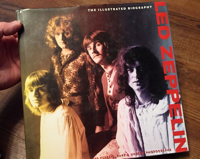 Led Zeppelin Hardcover Book - 2009 - The Illustrated Biography -  Zoso Jimmy Page Robert Plant John Bonham John Paul Jones