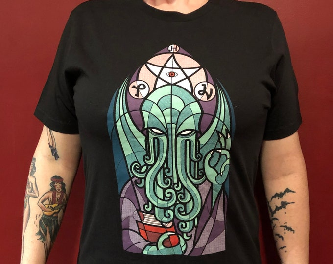 HP Lovecraft Tshirt The Call of Cthulhu (MED) I am Providence The Dunwich Horror Edgar Allan Poe Stephen King Horror Dagon Ghosts Monsters