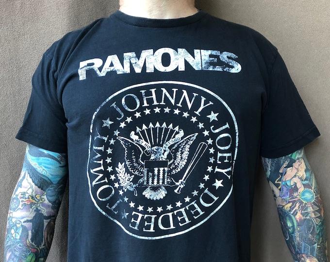Ramones Band Shirt (Sz-XL) CBGB Punk Hey Ho Lets Go Joey Ramone NYC Cretin Hop Rocket to Russia Road to Ruin Commando New York Dolls Blondie