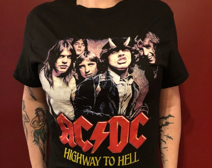 ACDC Highway To Hell Hells Bells Band Shirt High Voltage (S) Brian Johnson Angus Young Back in Black TNT Bon Scott Deep Purple Whitesnake