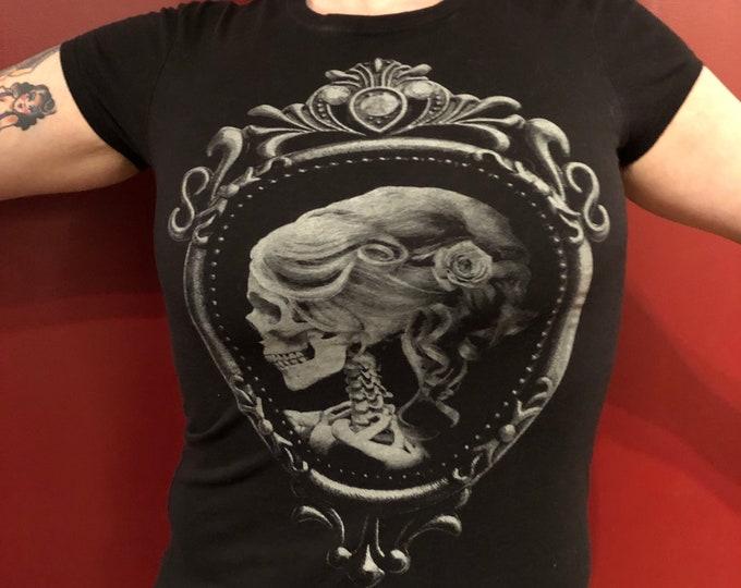 Pinky Star GothGirl Goth Gothic Metal Punk Horror Skulls Sexy Tshirt (Ladies MED) Skull Gothgirl gothicgirl Halloween Creepy Day Of The Dead