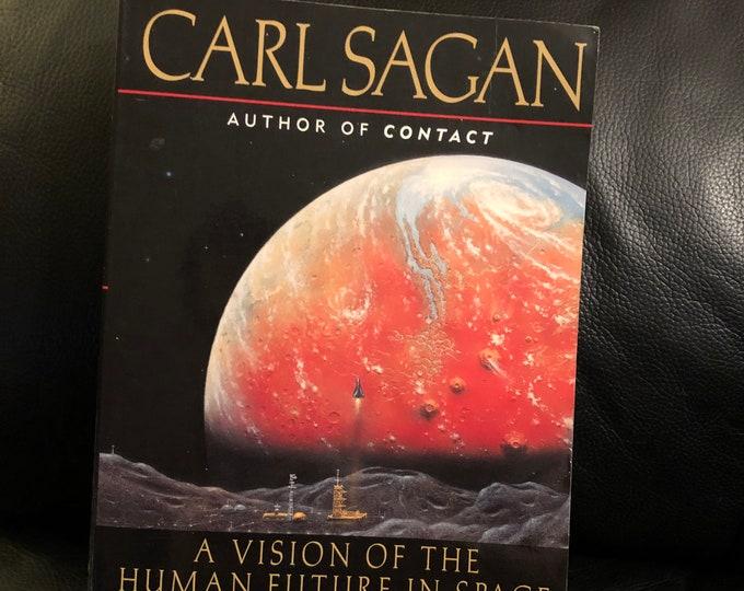 Vintage 1997 Carl Sagan Paperback Book Pale Blue Dot Science Physicist Albert Einstein Nikola Tesla Thomas Edison Philosophy  Astronomy