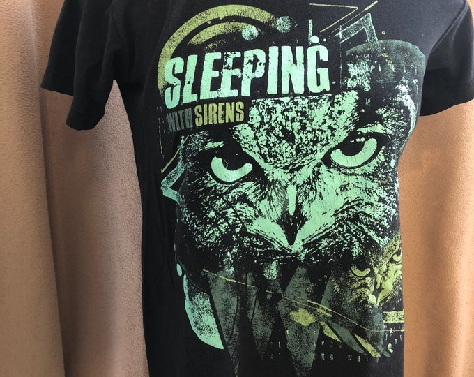 Sleeping With Sirens Band shirt - (Sz- Small)  Owl Metalcore Pop Alternative Rock Owls all Time Low A Day to Remember Paramore Falloutboy