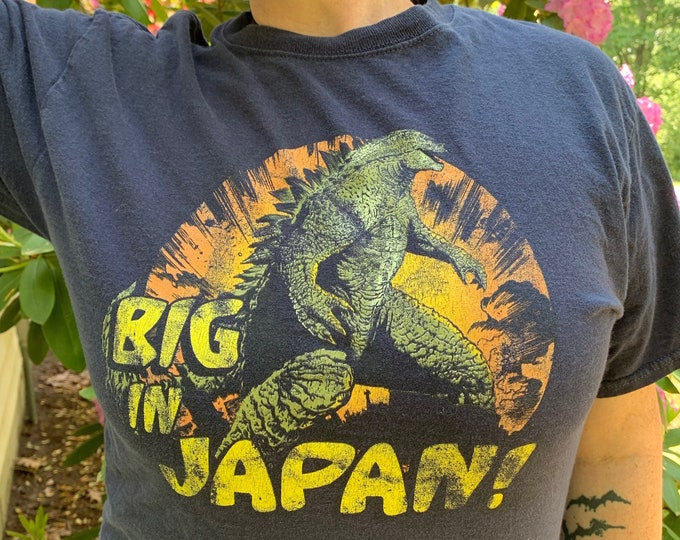 Godzilla Movie Tshirt (MED) Japanese King Of TheMonsters Horror Collectibles Sci Fi Gojira Creature Feature King Kong Retro Creature Feature