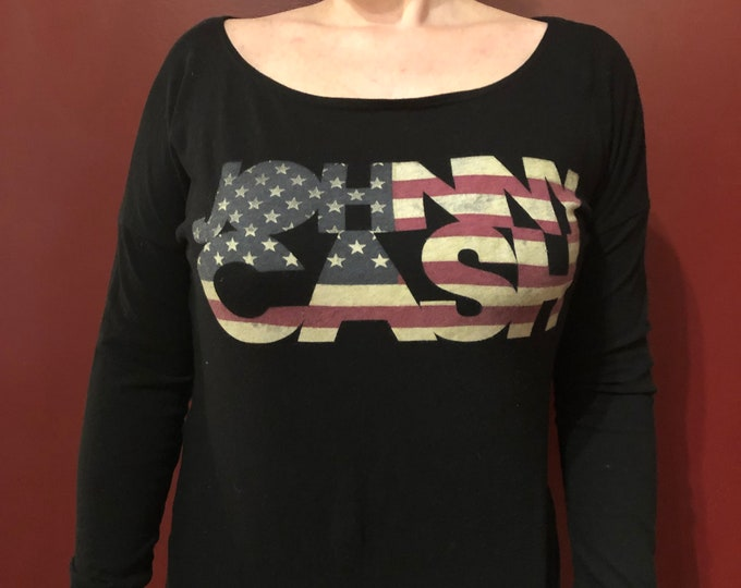 JOHNNY CASH Open Back (Ladies M) Band Shirt Country Music Man in Black Walk the Line NIN Hurt Trent Reznor Sun Records Memphis American Flag