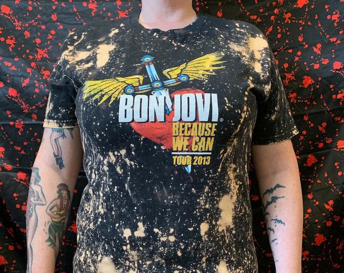 Distressed Bon Jovi 2013 Tour Shirt Band Shirt (M) Jon Bon Jovi Dokken Richie Sambora NJ New Jersey Slippery When Wet Journey Aerosmith Kiss