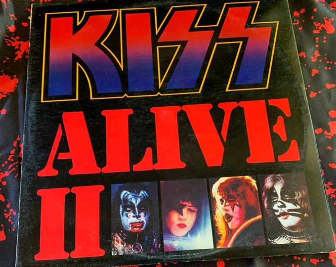 Vintage 1975 KISS Alive 2 Album 33 rpm VINYL Gene Simmons Ace Frehley Paul Stanley Peter Criss Casablanca Records Heavy Metal 2 Record Set