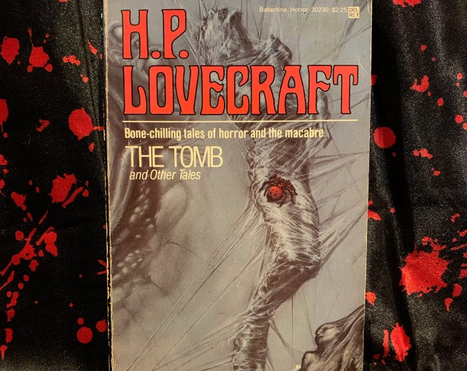 HP Lovecraft Paperback Book The Tomb I am Providence Horror Edgar Allan Poe Stephen King Horror Dagon Ghosts Monsters The Call of Cthulhu