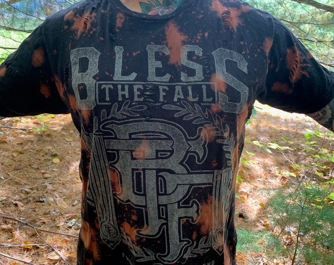Distressed BlessTheFall Band Shirt (L) Metalcore Metal August Burns Red Underoath Parkway Drive Asking Alexandria Attila Memphis May Fire