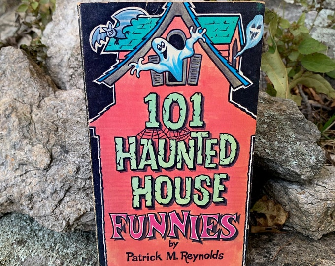 Vintage 1980  - 101 Haunted House Funnies Games Puzzles Ghost Bats Softcover Book Occult Tarot Crosswords Witchy Salem Coven Pagan Witchy