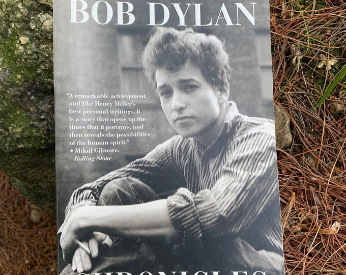 Bob Dylan Softcover Book 2004 Chronicles Vol 1 Folk music Joan Baez Johnny Cash Neil Young Van Morrison  Blood On The Tracks Rolling Stone