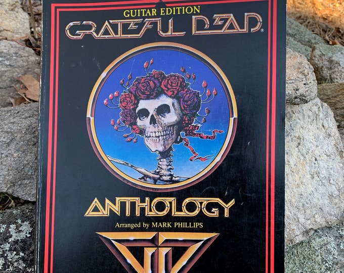 VINTAGE 1986 Grateful Dead Softcover Book Jerry Garcia Bob Weir Woodstock Psychedelic Jim Morrison Jimi Hendrix Guitar Tabs Sex Hippies
