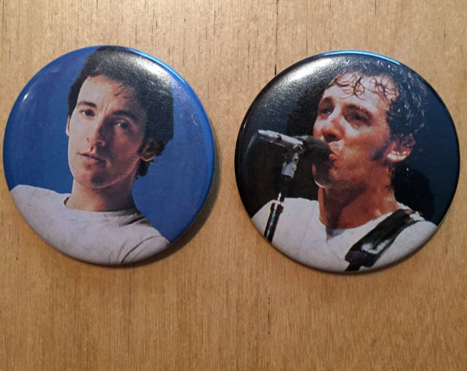 Bruce Springsteen  Pins  Badge Born to Run the Boss USA collectibles memoribilia little steven Clarence clemons  E Street Band Stone Pony NJ