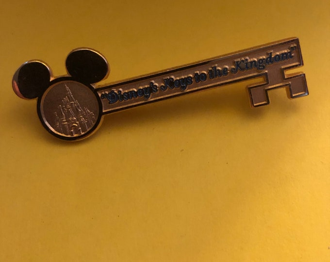 "WDW ""Disney's Key to the Kingdom"" lapel pin"