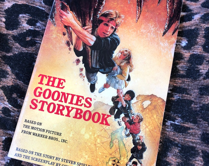Vintage The Goonies Paperback story book 1985 Richard Donner Corey Feldman Steven Spielberg Kids Book Treasure Island Reading Teen