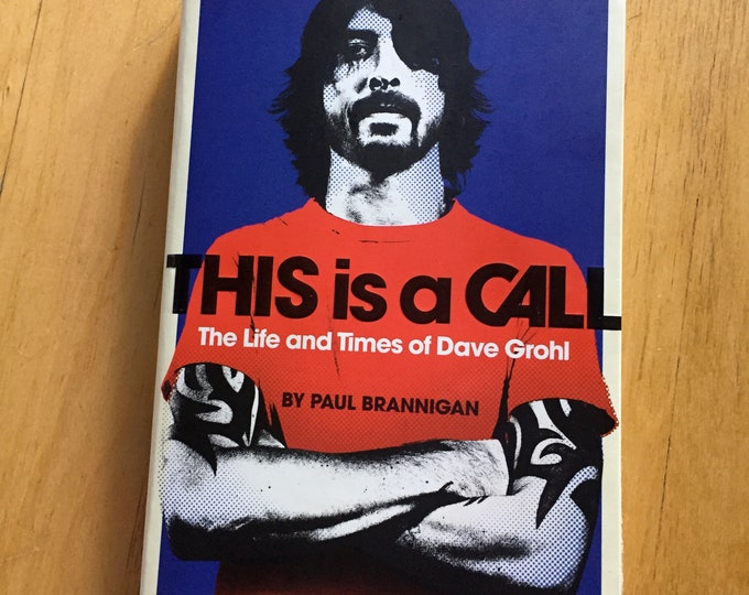 Dave Grohl This is a Call - Softcover Book Biography Foo Fighters Nirvana Drummer Drums Probot Kurt Cobain Taylor Hawkins music Guitarist