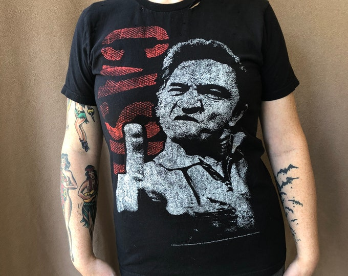 Distressed Johnny Cash Band Shirt Middle Finger Folsom Prison Country music CMA Nashville Memphis Bandtee Walk the Line Hurt NIN