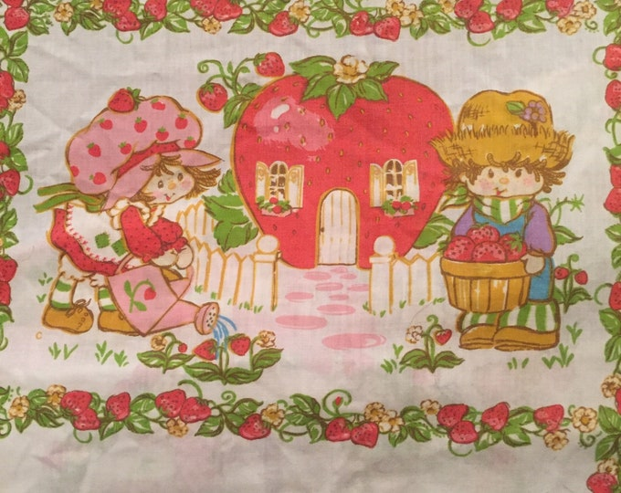Vintage 1980 Strawberry Shortcake Fitted Sheet Sz TwIN/Double 80s Nostalgia Retro Linens Vintage Fabric American Greetings Comp.