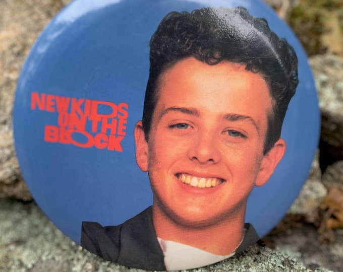 HUGE Vintage New Kids On The Block Pin Badge Pinback Collectibles NKOTB Donnie Wahlberg Jordan Knight Joey McIntyre Backstreet Boys Nsync