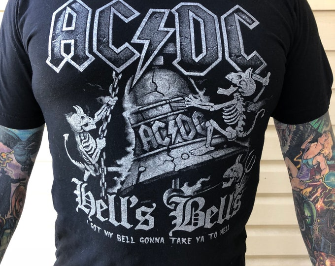 ACDC Hells Bells Rock Tee Band shirt Back in Black (L) Brian Johnson Angus Young Deeds Band Tee RocknRoll Bon Scott heavy metal  gnr accept
