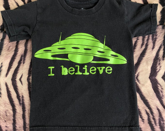 UFO (Kids XS) Flying Saucer Kids clothes Childrens clothes Aliens Punk Ancient Aliens cosmos Roswell Area 51 X Files Men in Black Alien moon