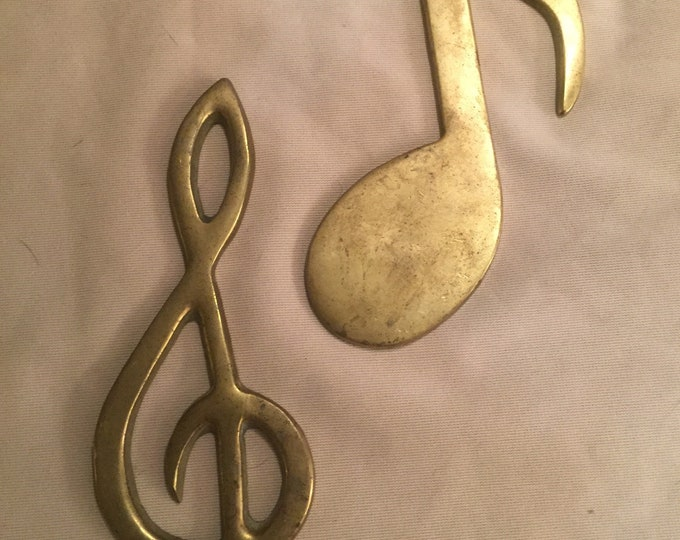 70s Brass Treble Clef Music Note Vintage wall hanging Paperweight Musical Decor Boho Bohochic Entrance Housewarming