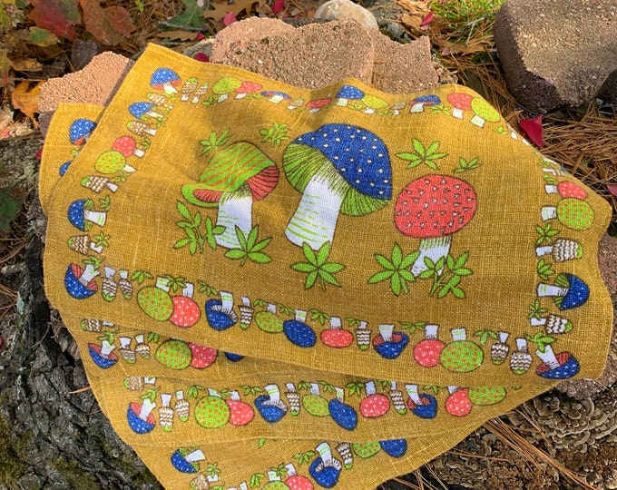 Set of 4 Cloth Vintage 70s Psychedelic Mushroom Cloth Placemats Magic Mushroom Vintage Kitchen Vegetables Mushroom Art  Fungus Boho Home